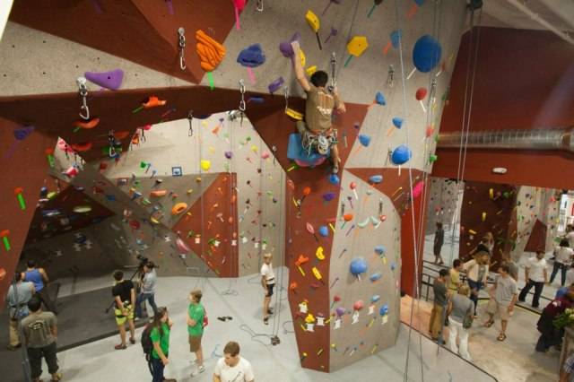 SANTA BARBARA ROCK GYM - ©Chris Lorimer 2012